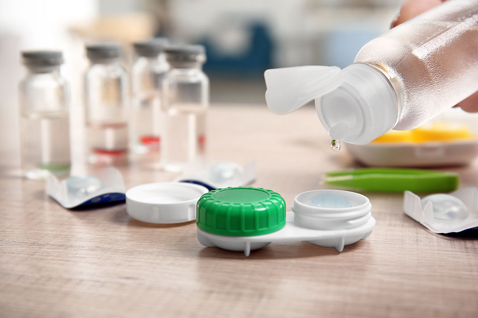 Contact solution with open contact case